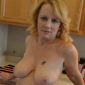 Share my gf: mature busty girlfriend gets naked for her boyfriend while he takes pictures to share with us.