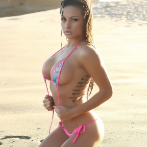 Alluring Vixens: Alluring Vixen Lauren V is at the beach teasing in a very skimpy sexy string bikini